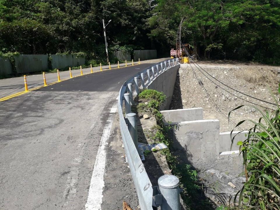 中市府展現高效率 太平長龍路坍方復建工程提早4個月完工。(記者何權璋翻攝)