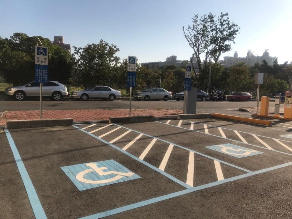 身障進出免銷單 中市15處公有停車場3月起試營運。(記者高秋敏翻攝)