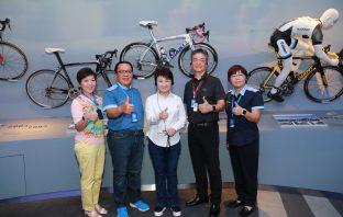 盧秀燕參訪巨大集團總部 攜手在地企業發展城市經濟。(記者白信東翻攝)