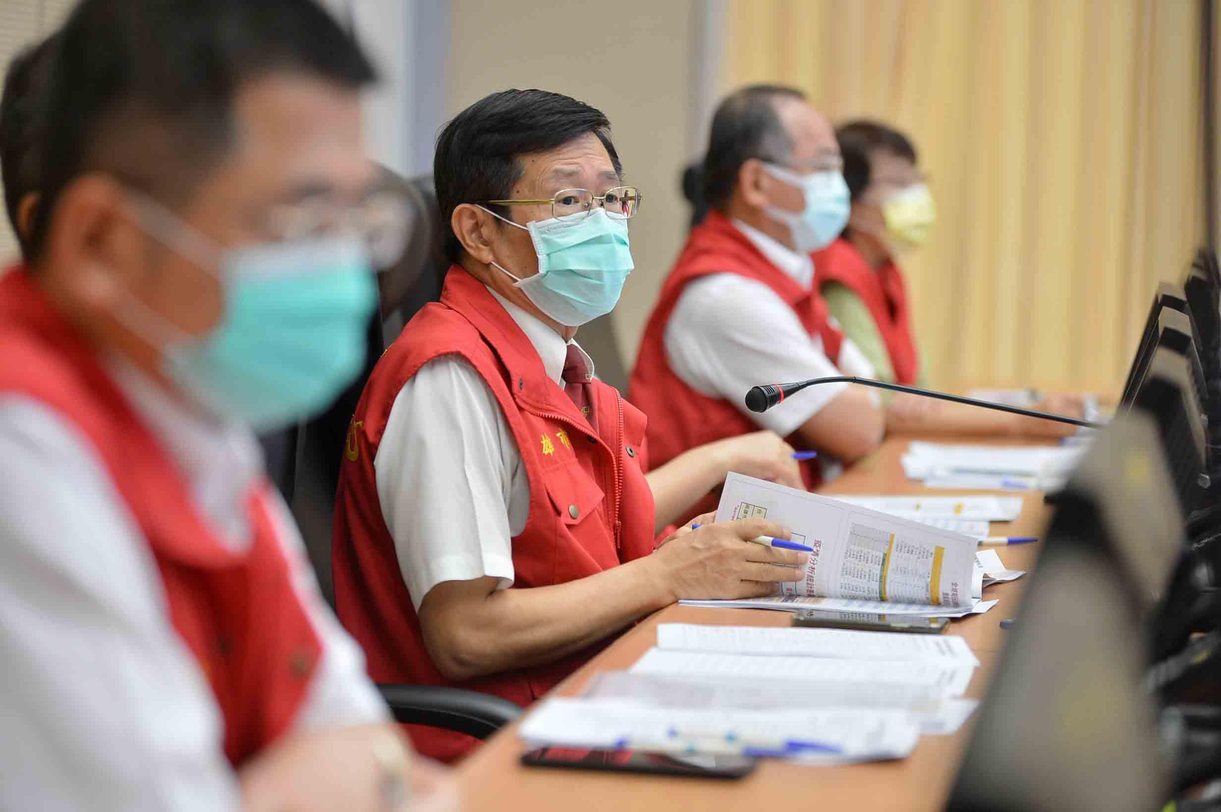 持續落實防疫 楊明州提醒密閉空間要戴口罩。(記者劉明吉翻攝)