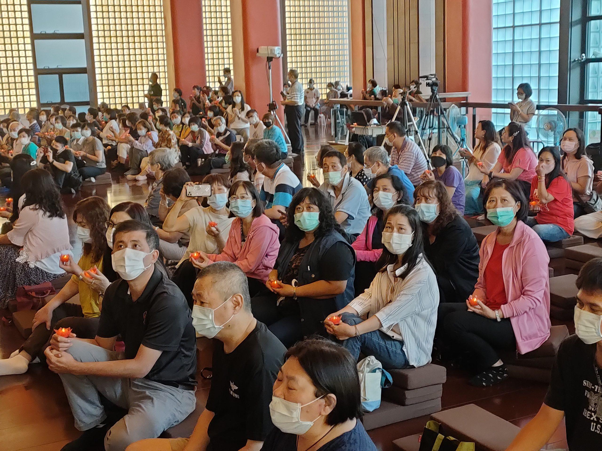 本願山配合中央政策採實名制報名登記,全程量體溫、配戴口罩,以防止疫情的蔓延。