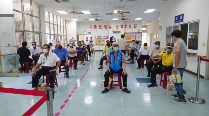 臺南佈上百接種站 長輩平均15分鐘車程就能打